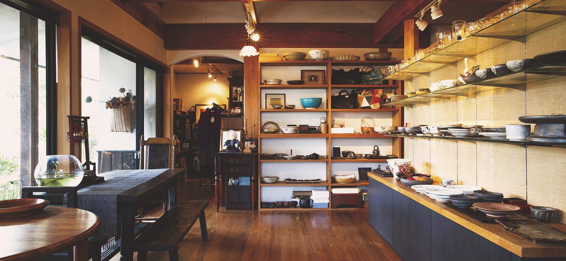 山口県岩国市の器あそび 食器、洋服、カバン、調味料など